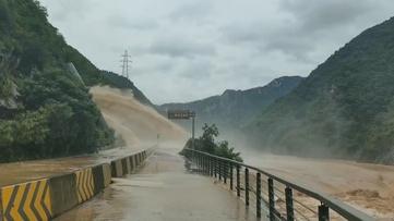 贵州新闻联播丨贵州各地全力以赴防汛救灾开展灾后自救