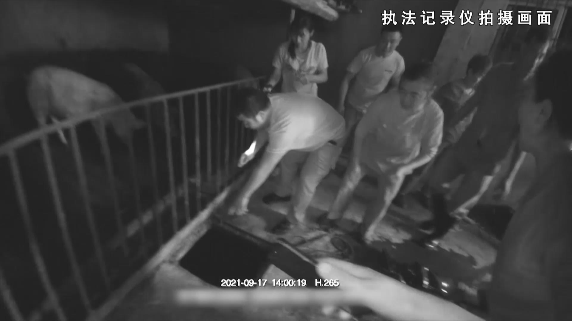 贵州开阳一民警跳入化粪池抢救遇险群众 昏迷近20小时后抢救苏醒