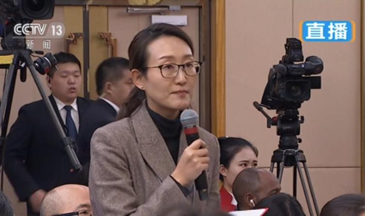 动静新闻记者刚才提问生态环境部长李干杰的视频来了!