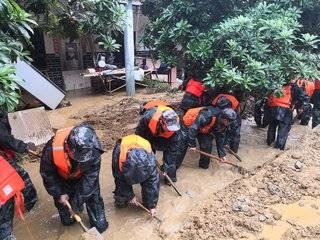 暴雨来袭,务川众志成城抗洪救灾