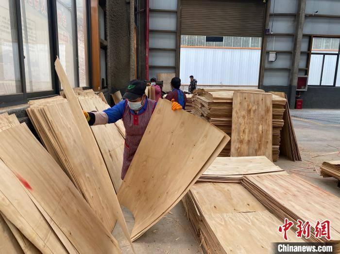 【中国的脱贫智慧】贵州黔西南:持续深化东西部协作 助力乡村振兴