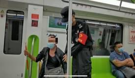 昨晚,贵阳地铁发生暖心一幕!